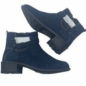 """St Johns Bay """"Dalian"""" navy suede boots"""